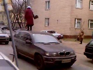 Бабка & BMW X5 (Прикол)
